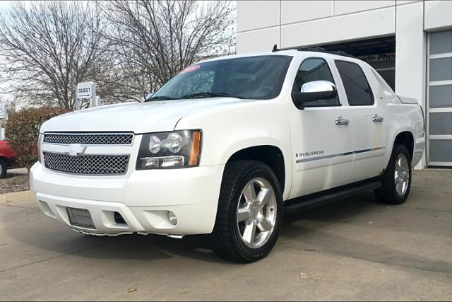 Pre-Owned 2009 Chevrolet Avalanche 4WD Crew Cab 130 LTZ